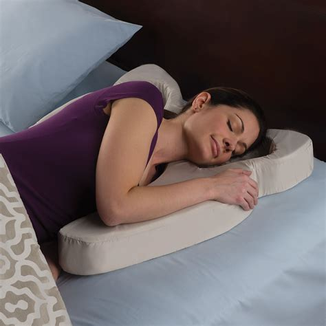 Anti Wrinkle Pillows by The Anti Wrinkle Pillow Hammacher Schlemmer