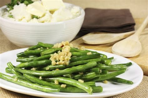 what to serve with chicken 10 quick easy side dishes