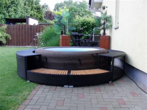 spa con idromassaggio in idromassaggio spa piscina gonfiabile rivestita rattan
