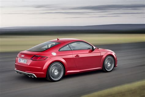 2016 audi tts rear three quarter in motion 04 photo 5