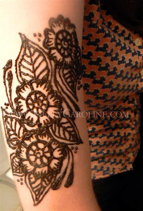 henna flower forearm makedes com