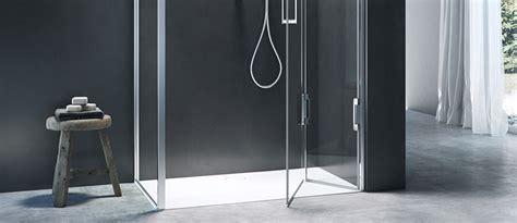 docce angolari misure la doccia angolare infinite varianti per la pi 249 classica