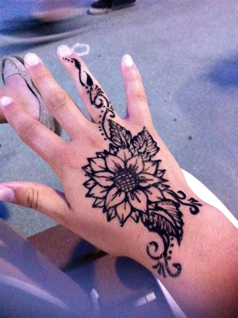 cool henna tattoos sunflower henna yasssss henna