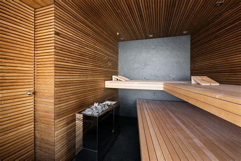 Was Ist Eine Sauna by Als R 252 Ckwand Der Sauna Ist Eine Einteilige Grossformatige