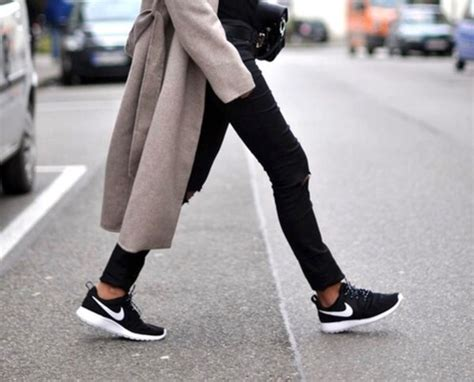 Sepatu Nike Airax One 02 sepatu nike wanita terbaik diskonaja