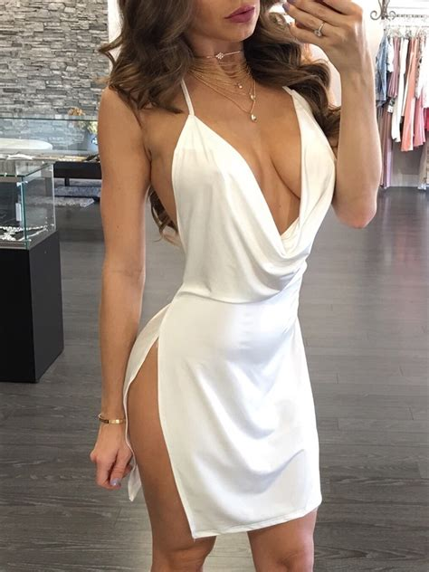 Backless Halter Neck Plunged Dress   IVRose