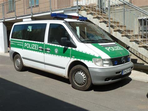 Auto Lackieren Erfurt by Vw T4 In Alter Lackierung Ral 6012 Steht Vor Der