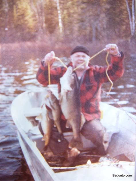 Minnesota Records Leroy Chiovitte Minnesota State Record Walleye May 23 1979 17 Pounds 8 Ounces
