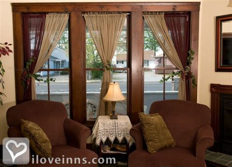 geneva on the lake bed and breakfast eagle cliff inn in geneva on the lake ohio iloveinns com