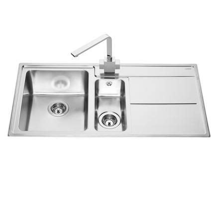 howdens kitchen sinks lamona dorney 1 5 bowl sink stainless steel kitchen