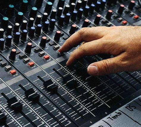 how to run an analog soundboard 7 steps