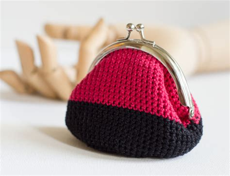 crochet pattern frame purse crochet coin purse with kiss clasp frame in red by