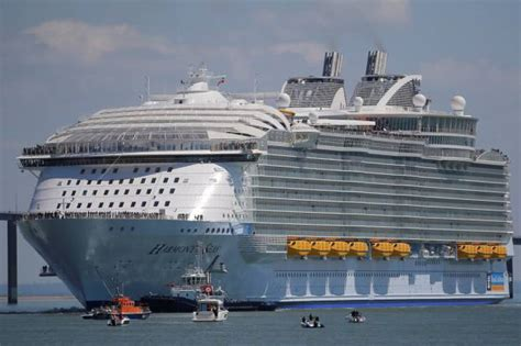 what is the biggest cruise ship in the world the largest passenger ship in the world cost 1 billion