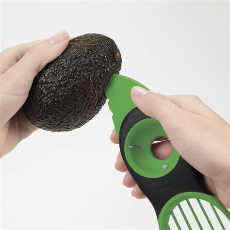 Easy 3 In 1 Avocado Slicer Pemotong Alpukat oxo grips 3 in 1 avocado slicer ybkitchen