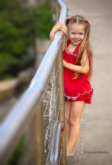 pose child model modeling jessica hunt