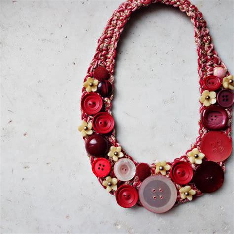 fiori all uncinetto per collane collana con bottoni vintage collana uncinetto collan