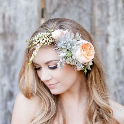 Wedding Hair With Flower Crown by Awesome Wedding Hair Tips For Wearing Flower Crowns