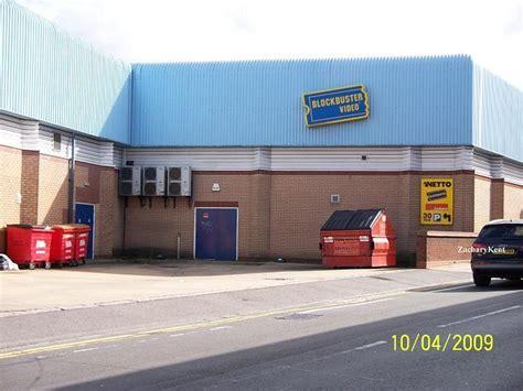 wallpaper warehouse abbey green nuneaton closed down blockbuster nuneaton