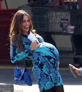 modern family gloria pregnant on sofia vergara manages to show off her killer curves in a