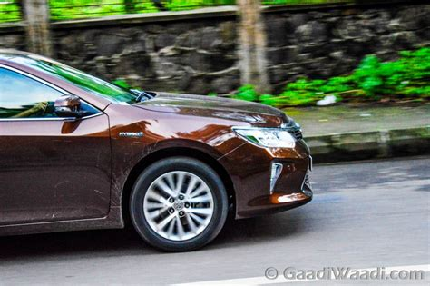 india toyota camry price 2015 toyota camry hybrid test drive review india