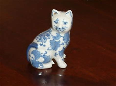 Blue Ceramic L ceramic cat in blue white porcelain china gift l ebay