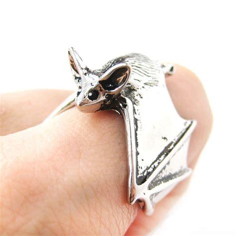 3d bat animal wrap around hug ring in shiny silver sizes