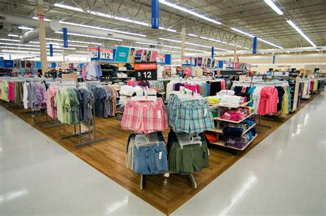apparel department in walmart supercenter 2011