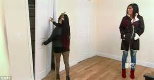 Snooki Wardrobe by Snooki Gets A Look At Baby As She Goes To An