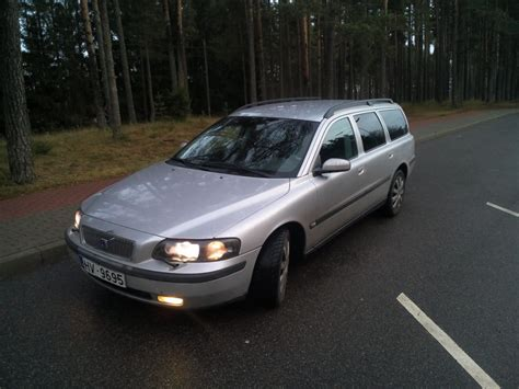 volvo  estate car wagon   reviews technical data prices