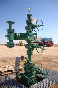 china wellhead christmas tree with esd photos pictures