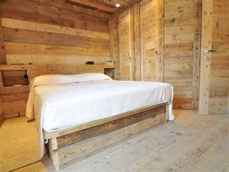 arredamento legno arredo camere hotel di montagna in legno vecchio