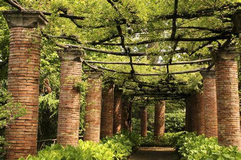 in the garden of amateurs loving italy s gardens