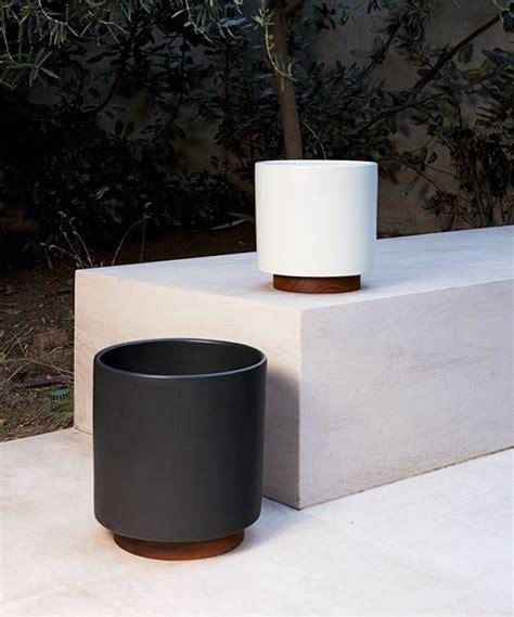 case study cylinder plant pot  plinth large