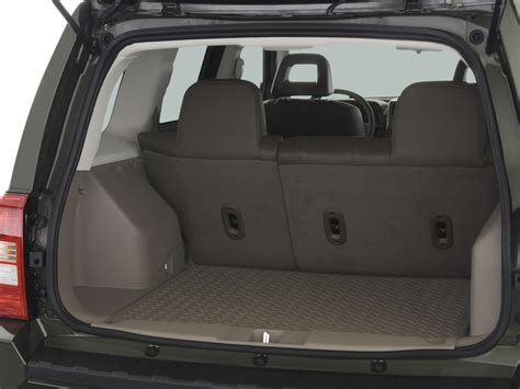 jeep patriot interior dimensions 2007 jeep patriot reviews and rating motor trend