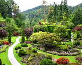 pemandangan taman yang indah   dwiyuli1201050070