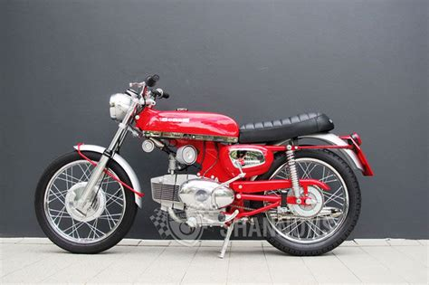 benelli motorcycle sold benelli sport special 125cc motorcycle auctions