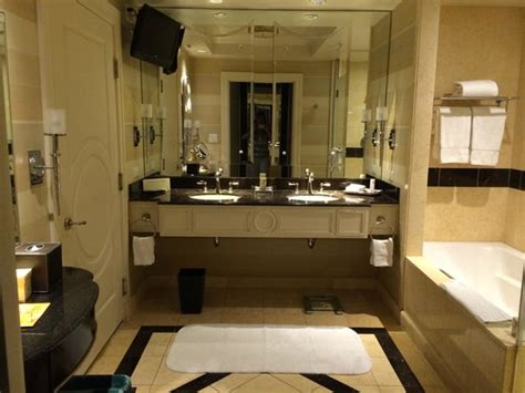 palazzo bathrooms bella suite bathroom picture of the palazzo resort hotel