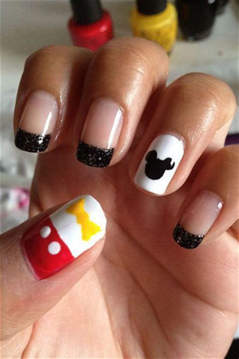 How To Decorate Your Nails how to decorate your nails with mickey mouse nail