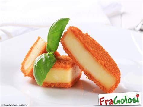 Mozzarella In Carrozza Messinese - bastoncini di formaggio in carrozza ricetta bastoncini