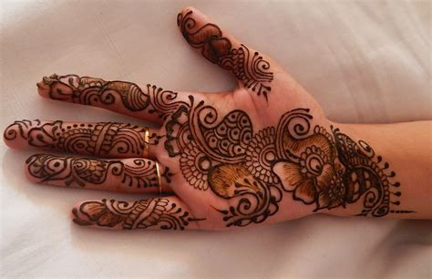 24 best simple henna designs top 24 simple and mehndi design images 2017 2018