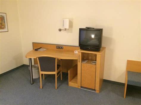 Direct Tv Help Desk by Desk Tv Picture Of Seminarhotel Aurich Aurich