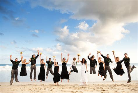 8 Pros And Cons Of A Destination Wedding by Bridal Guide Pros And Cons For A Destination Wedding
