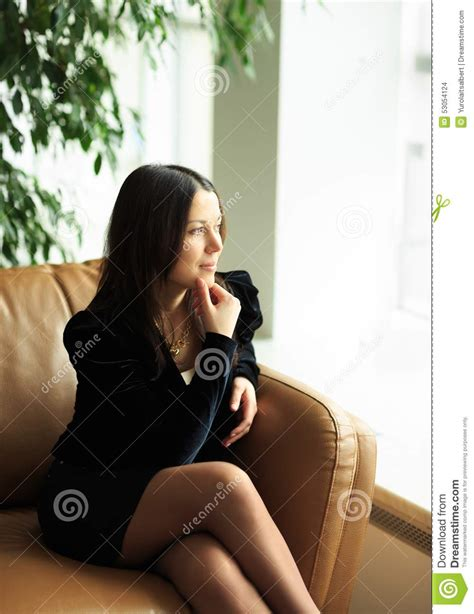 schreibarbeit zu hause gesch 228 ftsfrau im hellen modernen b 252 ro zuhause stockfoto