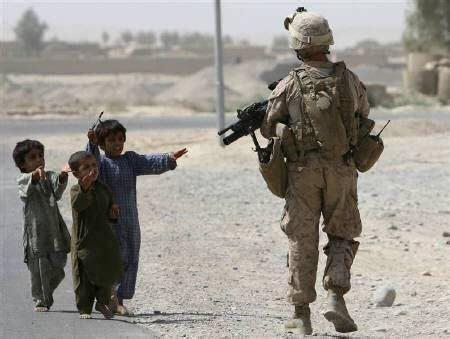 mirador global afganist 225 n en el centro de la guerra h 237 brida por la