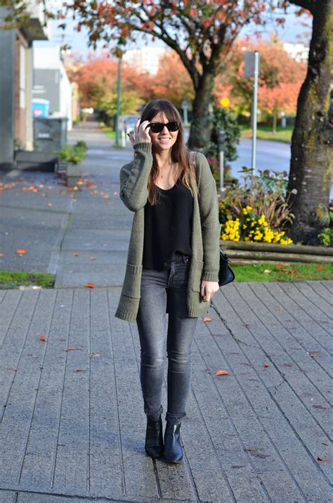 choosing the perfect casual outfits weekday favorites 5 pieces to build the perfect casual
