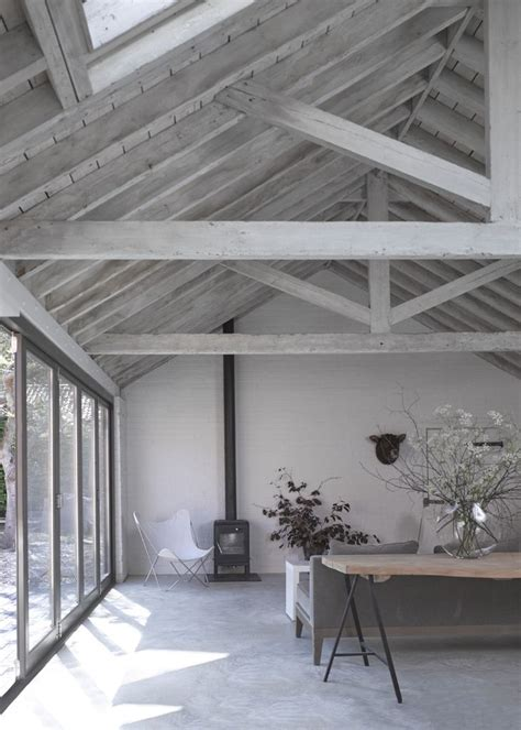 Roof And Ceiling by Best 25 Exposed Trusses Ideas On Timber Beams