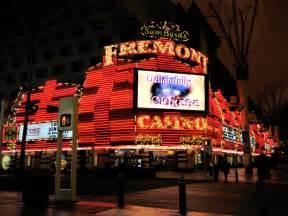 boyd s vegas file sam boyd s fremont casino on empty jpg
