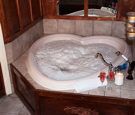 heart bathtub whirlpool bathtubs louisville ky reversadermcream com