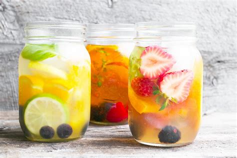 Teh Fruit Tea cold brewed iced tea with fruit seasons and suppers