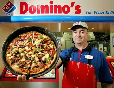 domino pizza delivery cibubur sbarca in italia la pizza americana di domino s news da